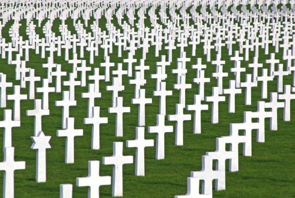 http://www.heise.de/scale/geometry/570/q85/imagine/L4xyvyuyMAU06Cv5NrLfhiSzPis/gallery/Kreuze-auf-einem-Soldatenfriedhof.jpg
